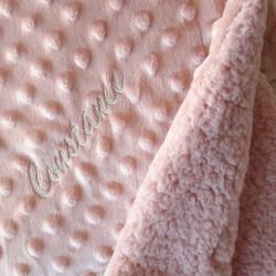 plaid bébé fourrure couleur framboise à personnaliser-detail